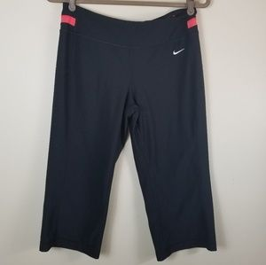 Nike Women Capri DriFit Legend Capri Training Med